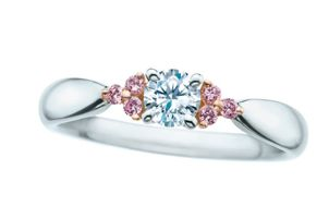 quality design 7c81a 6dbcc ティファニー の人気結婚指輪「ハーモニー」にピンクダイヤの ...